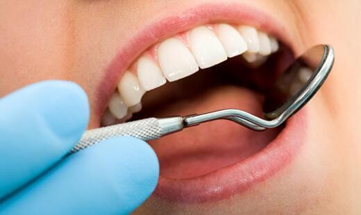 Estetik diş tedavileri ön dişlerde lamina, zirkonyum ve cam seramikler ila sağlanabilir.